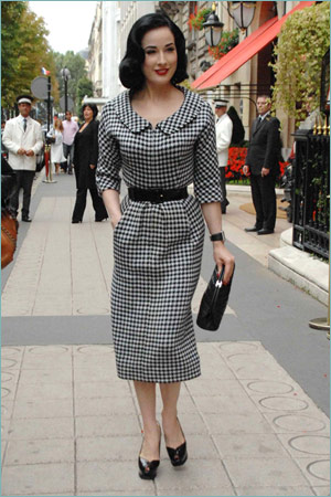 http://style.blogs.com/photos/uncategorized/2007/09/18/dita.jpg